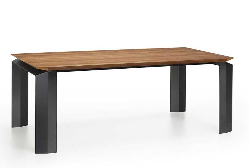 Realizzazione tavolo legno e metallo